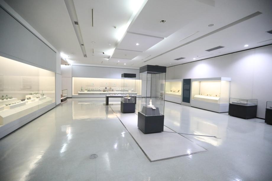 Sinan Shipwreck Collection Gallery